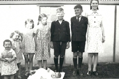 3.-Aileen,-Mary,-Carmel,-Pat,-Jack,-Tom,-Margaret-and-baby-Brenda-